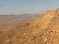 טיסת חוויה ב-TL סטינג S4. צוללים לתוך מכתש רמון. צילום: רוני נאק
