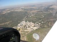 """טיסת חוויה ב-TL סטינג S4. בי\""""ח הדסה וסכר בית זית המלא. צילום: רוני נאק"""