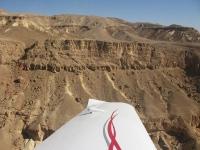 טיסת חוויה ב-TL סטינג S4. קיר קרוב בנחל נקרות. צילום: רוני נאק