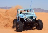 """מבחן רכב גי\'פ רנגלר TJ משופר. מנוע GM עם 500 כ\""""ס, סרני דאנה 60 מחוזקים, שתי נעילות מלאות והרבה בירה צוננת. ג\'יפאות אמריקאית במיטבה. צילום: רמי גלבוע"""