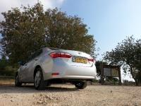 בייקמוביל מבחן רכב טויוטה קורולה החדשה. ארוכה יותר, רחבה יותר, חסכונית יותר ובטוחה יותר. אחרי השינוי במס הירוק - לא תעלה יותר. צילום: רוני נאק