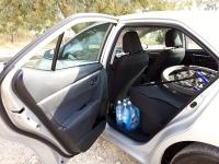 בייקמוביל מבחן רכב טויוטה קורולה החדשה. מפער הדלת גדול מאד. ואפשר לראות את המרווח הפנימי שנותר אחרי הכנסת האופניים פנימה. צילום: רוני נאק