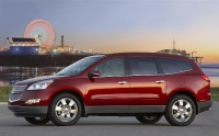 2011_chevrolet_traverse-_ltz_05-custom