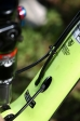מבחן אופניים Trek Fuel EX 9.8. ניתוב כבלים אלגנטי ונכון דרך שלדת הקרבון. האם אלו האופניים הטוביםם ביותר שרכבנו עליהם? ייתכן מאד. המחיר אבל...אאוץ'. צילום: תומר פדר