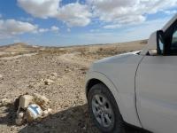מסלול שטח במערב מכתש רמון. מיצובישי פאג\'רו 2011 מתמודד עם נווט כושל צילום פז בר
