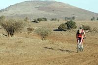 טיול אופני הרים בין יקבי רמת הגולן. מיער אודם עד לקצרין - על השביל לכיוון היוסיפון. צילום: פז בר