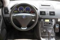 סביבת הנהג וולוו XC90R צילום פז בר