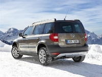 skoda-yeti_4x4_2011_1280x960_wallpaper_08-medium