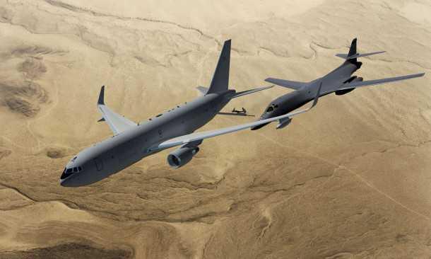 הדמיה של בואינג KC-46A מתדלק מפציץ מדגם B-1B בעת משימה מעל שמי אפגניסטן צילום: boeing