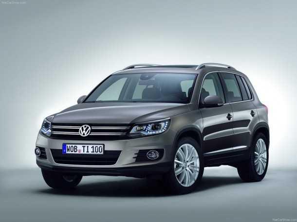 פולקסוואגן טיגואן חדש. מאמץ, כמו כל הליין, את המראה המותגי החדש של VW