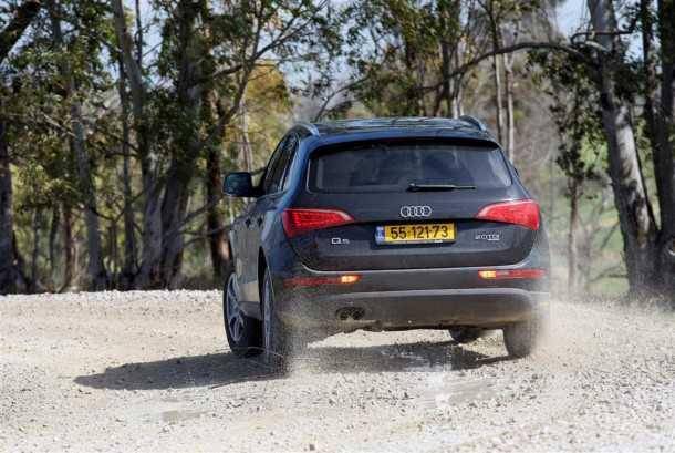 אודי Q5 במבחן שטח. רכב הפנאי הקומפקטי של אודי מרגיש נוח גם על דרכי עפר כאלו - בכביש הוא מתגמל צילום:פז בר