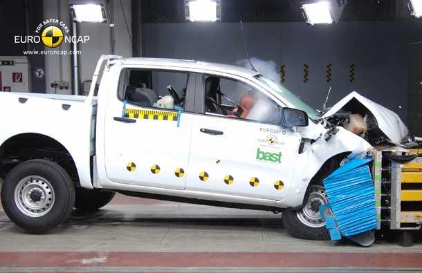 פורד ריינג'ר הפתיע לטובה את הבוחנים עם ציונים טובים בכל פרמטר - הטנדר הראשון שמקבל חמישה כוכבי בטיחות. צילום: NCAP