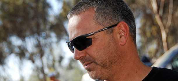 גל שחם. נהג המירוצים הראשון שרכבו מקבל לוחית מירוצים בישראל. צילום: טל זהר - פולגז