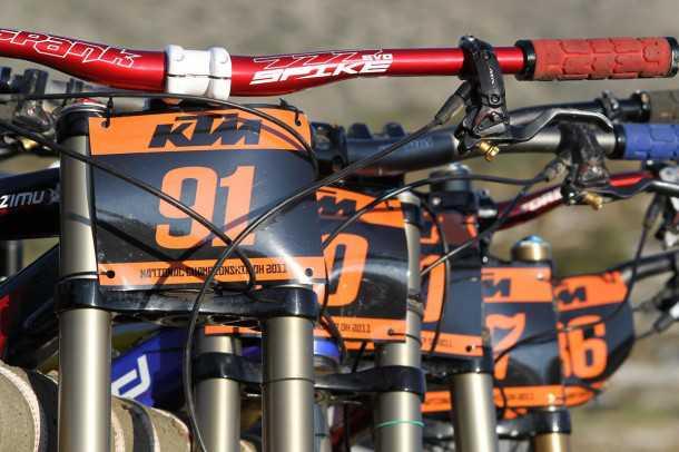 אליפות ישראל בדאונהיל KTM. אופניים על הטנדר בדרך לזינוק צילום: תומר פדר