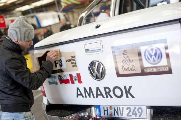 טנדר פולקסוואגן אמארוק 4X4. שנה שלישית ברציפות שפולקסוואגן מספקת את רכבי הסיוע למירוץ השטח הקשה בעולם - ראלי דקאר. צילום: VW
