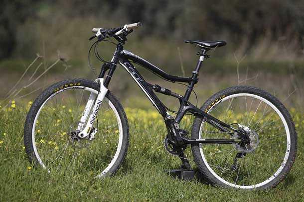 GT sensor 9r expert. השם הארוך מייצג אופניים עם המון יכולת. צילום: פז בר