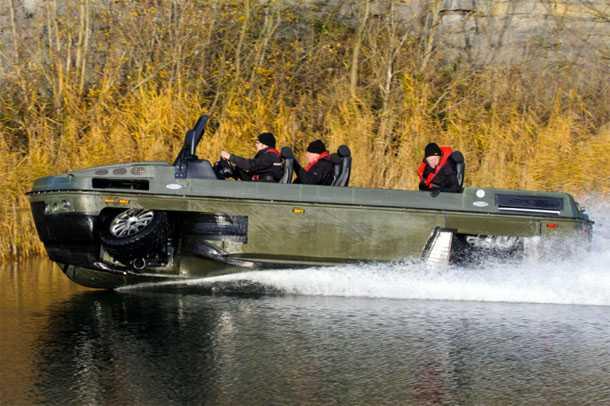 """הגיבס פיביאן יהיה טנדר 4X4 המהיר ביותר על המים! 50 קמ""""ש להחדרה או שליפה מהירה של צוות מאיזורים רטובים. צילום: GIBBS"""