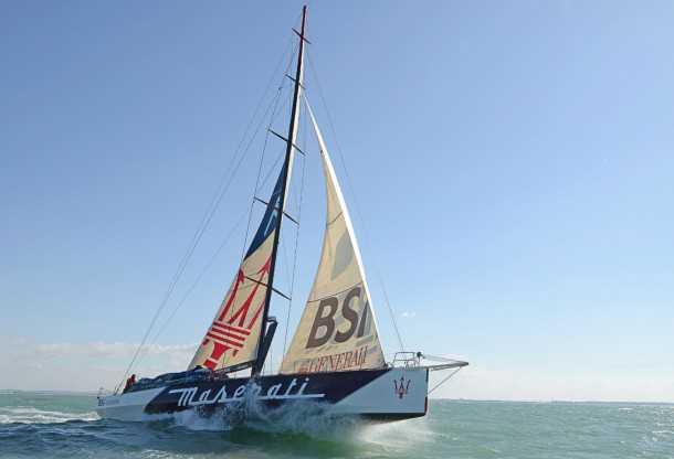 מזראטי יורדת לים. 3884 מילים ימיים לחצות בזמן הקצר ביותר ללא מנוע. זה הכלי לעשות את זה צילום:MAZERATI