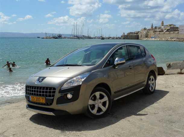 פיז'ו 3008 דיזל היברידי כבר מיוצר אולם בישראל אינו מוכר כרכב היברידי בשל נוסחאת המס הירוק הישראלית. צילום: פז בר