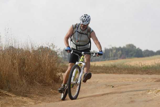מבחן אופניים YETI SB66. כיף, כיף ועוד כיף! גם בדריפטים כאלו העסק נשלט. שילוב של מתלים מעולים ושלדה - סוכריה!. צילום: פז בר