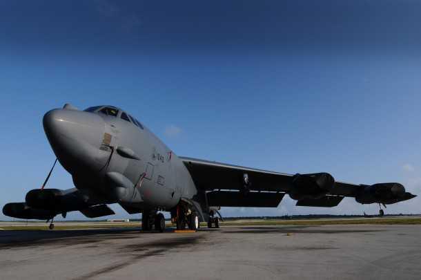 אותו B52 שבצילום מלמעלה. עדיין מבצעי בבסיס חיל האוויר האמריקאי בצפון דקוטה. בואינג מתכננת לחדש את כלי הטיס עם מערכות חדשות אשר יאריכו את השירות עד מעבר לשנת 2040. צילום: BOEING