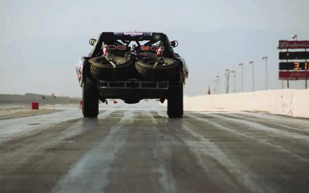 טרופי טראק מהבאחה 100 למסלול הדראג. צילום: MOTOR TREND