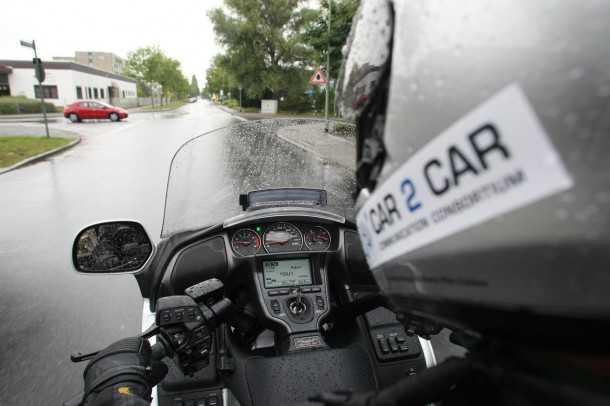 מציאות מוגברת למען הבטיחות בדרכים. הונדה מדגימה מערכת תקשורת חדשה. צילום: HONDA