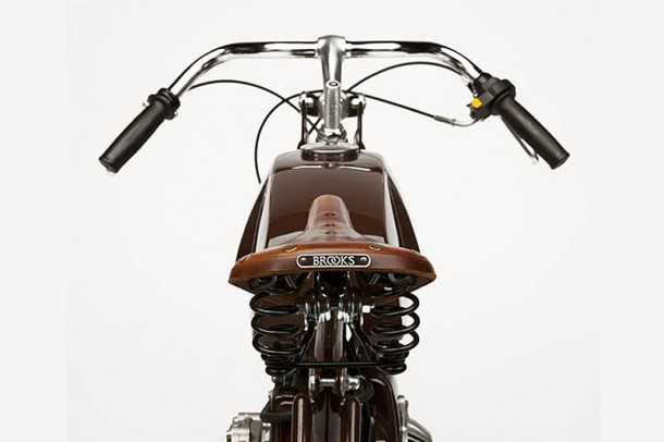 מחווה לאופנועי המירוץ הראשונים. כל מה שאתם רואים עשוי בעבודת יד ומותאם לדרישת הלקוח. אופניים עם מנוע עזר לעולם לא יהיו משעממים. צילום: דרינג'ר