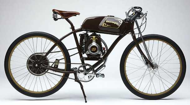 הייבריד מסוג אחר. אופניים אקו-ידידותיים המונעים בכוח אנאטומי ומנוע 4-פעימות דיסקרטי וחסכוני. צילום: דרינג'ר