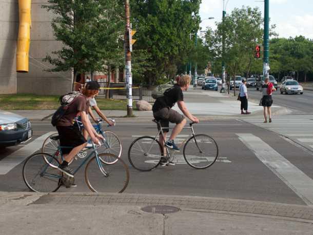 לא בכל מקום מכירים בקיומם של רוכבי אופניים. צילום: Dylan Passmore
