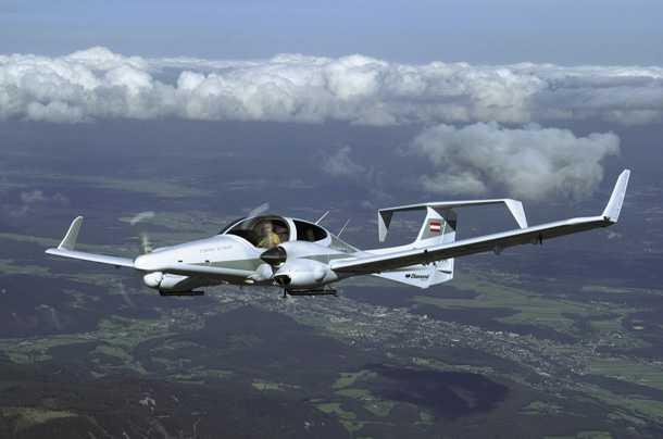דיאמונד DA42 בטיסת טוס-על-חוט ראשונה. האם מבשר את תחילת עידן האוטומציה גם במטוסי התעופה הכללית? צילום: DIAMOND