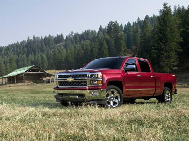 שברולט סילבראדו חדש. מרכב מעוצב, פנים משופר, דור חדש של מנועים והצהרות ראוותניות של נשיא GM. צילום: שברולט