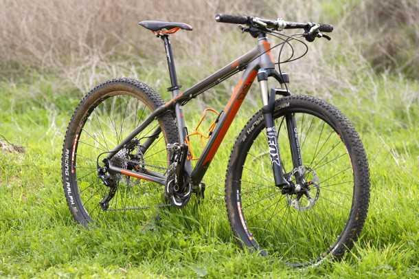 מבחן אופניים KTM RACE. מינימאליזם מירבי - אופני קרוס קאנטרי תחרותיים במחיר שפוי. צילום: פז בר