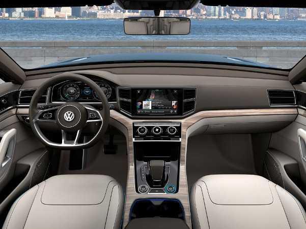 פוקסוואגן CrossBlue. דיזל-היברידי בין טוארג וגדול יותר מ-טיגואן. ייענש אצלנו בשל אופי תקנות אוויר נקי. צילום: VW