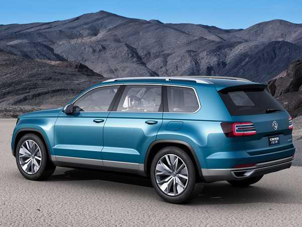 פולקסוואגן CrosBlue. רכב תצוגה אשר מציג את המראה העתידי של רכבי הפנאי של פולקסוואגן ומבשר את קו מערכות ההנעה העתידיות של היצרן הגרמני. מערכות הנעה אשר סביר כי יגיעו גם ב-טוארג וב-טיגואן. צילום:VW