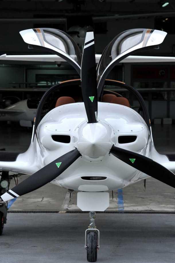 """פיפיסטרל פנתרה. הוא ישרוף 10 גלון/שעה עם לייקומינס 210 כ""""ס ותוכלו לבחור גם הנעה היברידית ואפילו חשמלית עם טווח טיסה של 400 ק""""מ. צילום: PIPSTREL"""