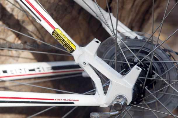 """מבחן אופניים GT Avalanche 4.0. תושבות """"הכנה"""" למעצורי דיסק. התקנתם תדרוש נאבות דיסק ועדו כ-600 שקלים למערכת. צילום: פז בר"""