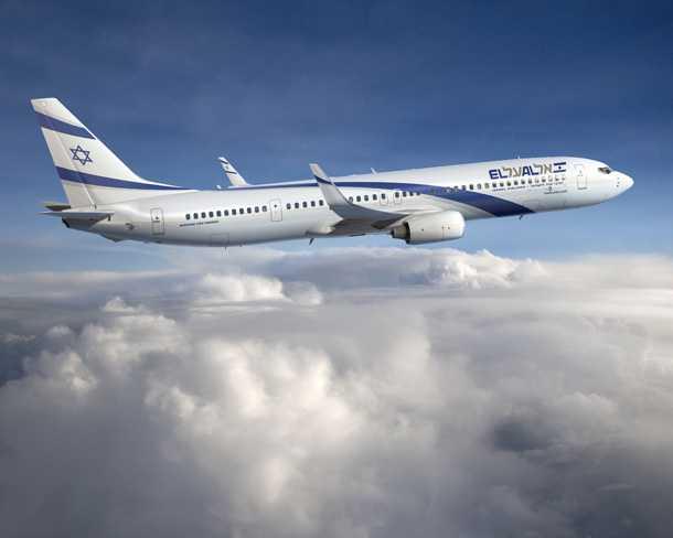 בואינג 737-900ER. אחד מההזמנה החדשה של אל-על. גם אל-על חברה ב-IATA שחבריה הטיסו יותר מ-3 מיליארד נוסעים ב-2012. צילום: בואינג