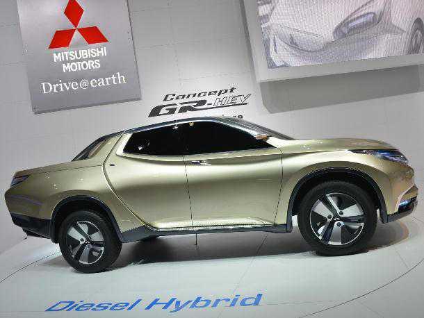 Mitsubishi PU. דיזל היברידי. לפי מיצובישי זה השילוב הנכון עבור רכב עבודה. העיצוב מרמז על ה-L200 הבא. צילום: מיצובישי