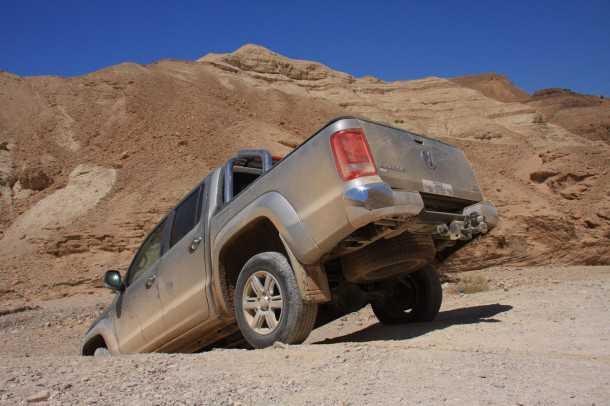 """מבחן רכב פולקסווגן אמארוק. 4 כוכבי בטיחות ב-NCAP, ארגז המטען המרווח ביותר, וכשר גרירה מירבי בסגמנט (3,100 ק""""ג לפי היצרן, 2,500 מגבלת החוק בישראל). צילום: רמי גלבוע"""