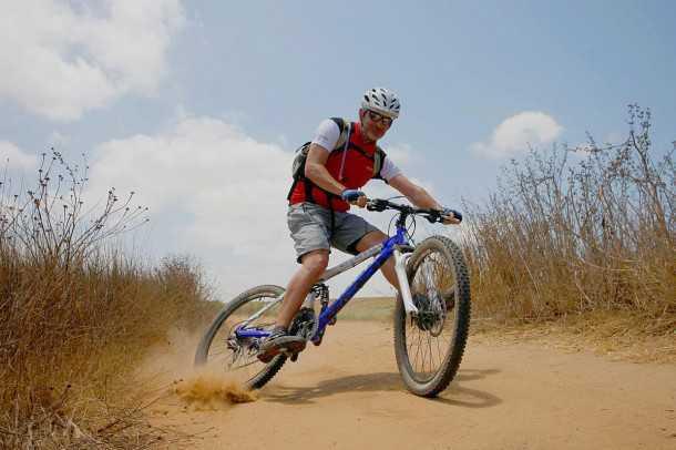 מבחן אופניים אידאל VSR COMP. אח..איזה כיף זה אופני 26! היגוי חד וזריז, נכונות לשנות כיוון ובאופן כללי שמחת חיים שנראה כי אבדה ביעילות של ה-29 הגדולים. צילום: פז בר