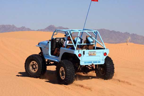 מבחן רכב ג'יפ רנגלר TJ משופר. זוחל סלעים מקצועי עם צמיגים 39.5 אינץ וטרנספר אטלס עם LOW נמוך מים המלח. צילום: רמי גלבוע