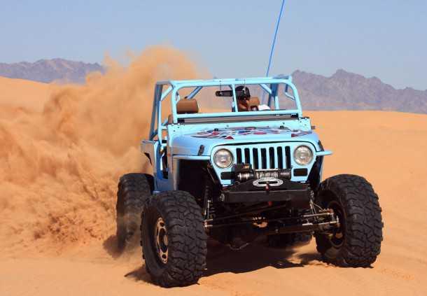 """מבחן רכב ג'יפ רנגלר TJ משופר. מנוע וורטק משופר עם 500 כ""""ס, סרני דאנה 60 מחוזקים וסדנה אחת שמקפידה על הפרטים הקטנים. צילום: רמי גלבוע"""