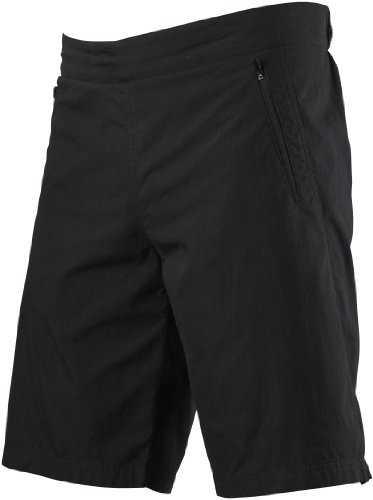 מכנסי רכיבה Fox Ranger. מיועדים לרכיבות XC מתישות אך גם קשוחים ומגינים. צילום: FOX