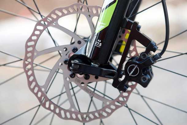 מבחן אופניים מרידה ביג 7. מעצורים הידראוליים של טקטרו עם דיסק 180 בחזית ו-160 מאחור. רכיבים יפים ביחס לרמת המחיר - והיכולת בהתאם. צילום: פז בר