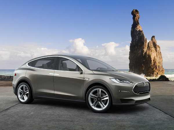 טסלה בנהיגה אוטונומית. רכב הפנאי שבפיתוח - מודל X - יהיה בין הדגמים הראשונים שייהנו מהפיתוח. צילום: טסלה