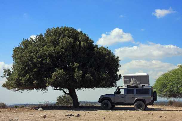 מבחן רכב לנד רובר דיפנדר פומה משופר. אוהל מג'יולינה נפתח בפחות מדקה - איזה תמונה יפיפה!  צילום: רמי גלבוע