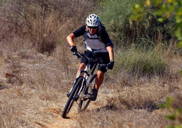 מבחן אופניים ק.ט.מ LYCAN 653.  בווידאו הייתם רואים את המהירות...האחיזה בקרקע מצויינת, בעיקר בזכות המתלים של רוקשוק. צילום: פז בר