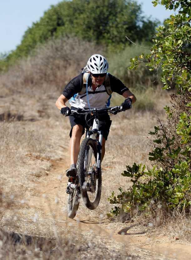מבחן אופניים ק.ט.מ LYCAN 653. מתלים של רוקשוק הגיעו לבגרות כאן ומבצעים נהדר. מעצורי SLX מצויינים ותיאבון לסינגלים מפותלים. צילום: פז בר