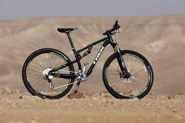 מבחן אופניים טרק סופרפליי FS8. מאובזרים היטב ועם תיאבון בריא לזלילת קילומטרים. המחיר: 13,200 שקלים. צילום: פז בר